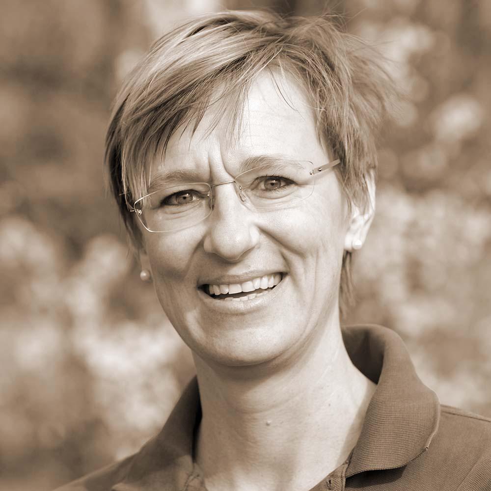 Mag. Carla Schmirl
