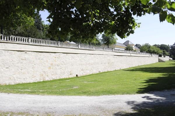 Mauer der Orangerie